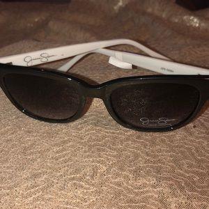 Adorable Jessica Simpson sunglasses!